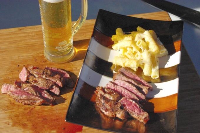 Asiatisch mariniertes Steak mit Käse Maccaroni6