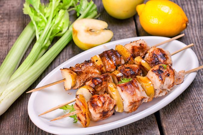 rezept-apfel-haehnchen-spiesse-vom-grill