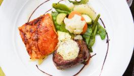 Kartoffelgratin mit Pfannengemüse & Filetsteak