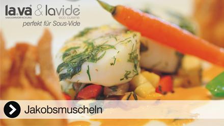 Sous-Vide Video Jakobsmuscheln - In diesem Film erleben Sie live, wie einfach es ist mit einem Lavide Sous-Vide Gerät herrlich köstliche Jakobsmuscheln zuzubereiten. Jetzt anklicken, das Sous-Vide Video Jakobsmuscheln von Lavide.